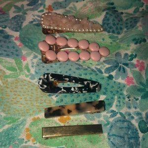 Accessories - 3/$15 beautiful clip set